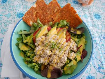 chickenless raw vegan salad with sweet ginger dressing and carrot onion bread