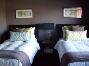 twin bed shared room