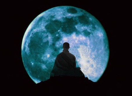 buddha-in-the-moon