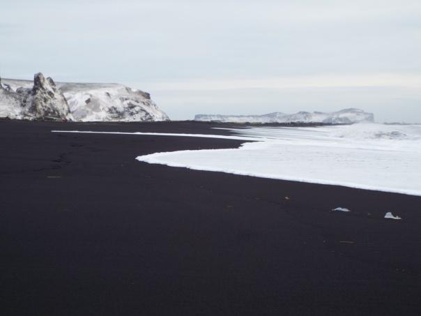 black sand beach3