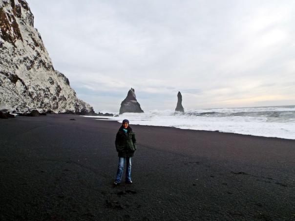 black sand beach4